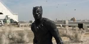 Chadwick Boseman som Black Panther i Captain America: Civil War
