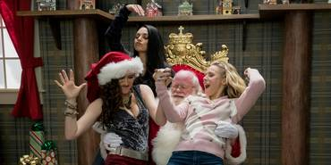 Mila Kunis, Kathryn Hahn, Phil Pierce og Kristen Bell i Bad Moms Christmas