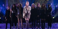 Anna Kendrick, Brittany Snow, Rebel Wilson, Anna Camp, Hana Mae Lee, Hailee Steinfeld, Ester Dean, Kelley Jakle og Shelley Regner i Pitch Perfect 3