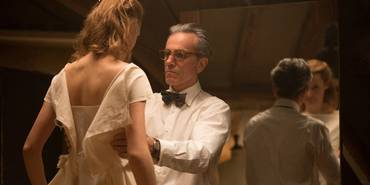 Daniel Day-Lewis og Vicky Krieps i Phantom Thread
