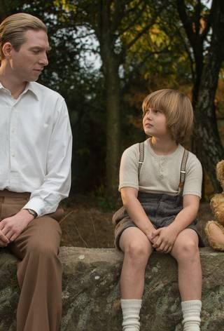 Domhnall Gleeson og Will Tilston i Goodbye Christopher Robin