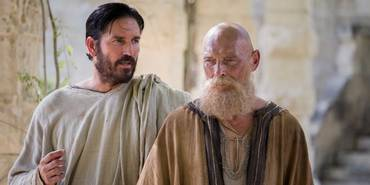 Jim Caviezel og James Faulkner i Paul, Apostle of Christ