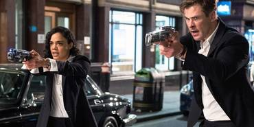 Tessa Thompson og Chris Hemsworth i Men in Black: International