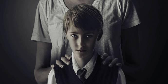 Taylor Schilling og Jackson Robert Scott i The Prodigy