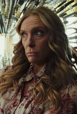 Toni Collette i Knives Out