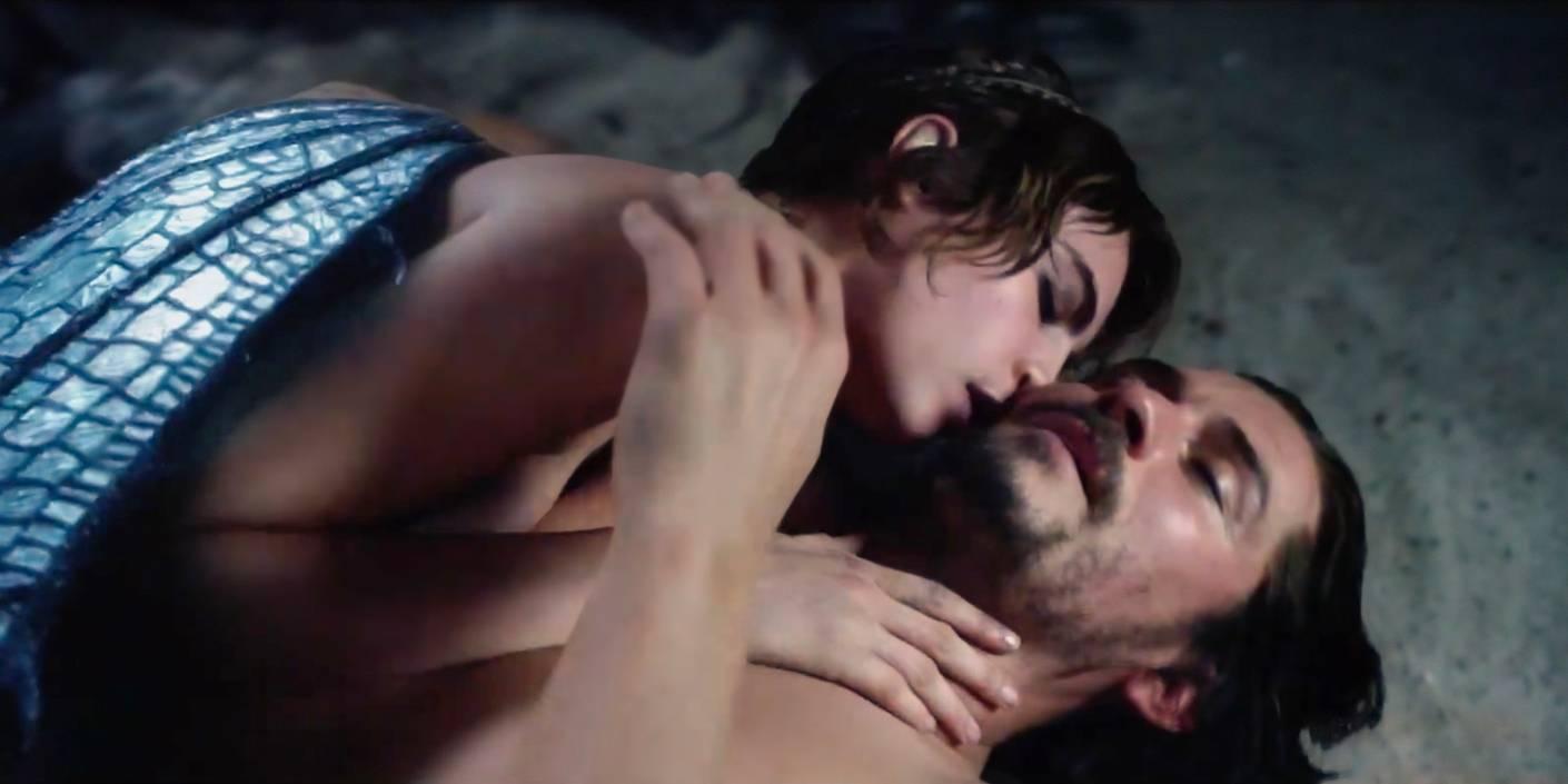 Trailer: Orlando Bloom og Cara Delevingne har alvesex