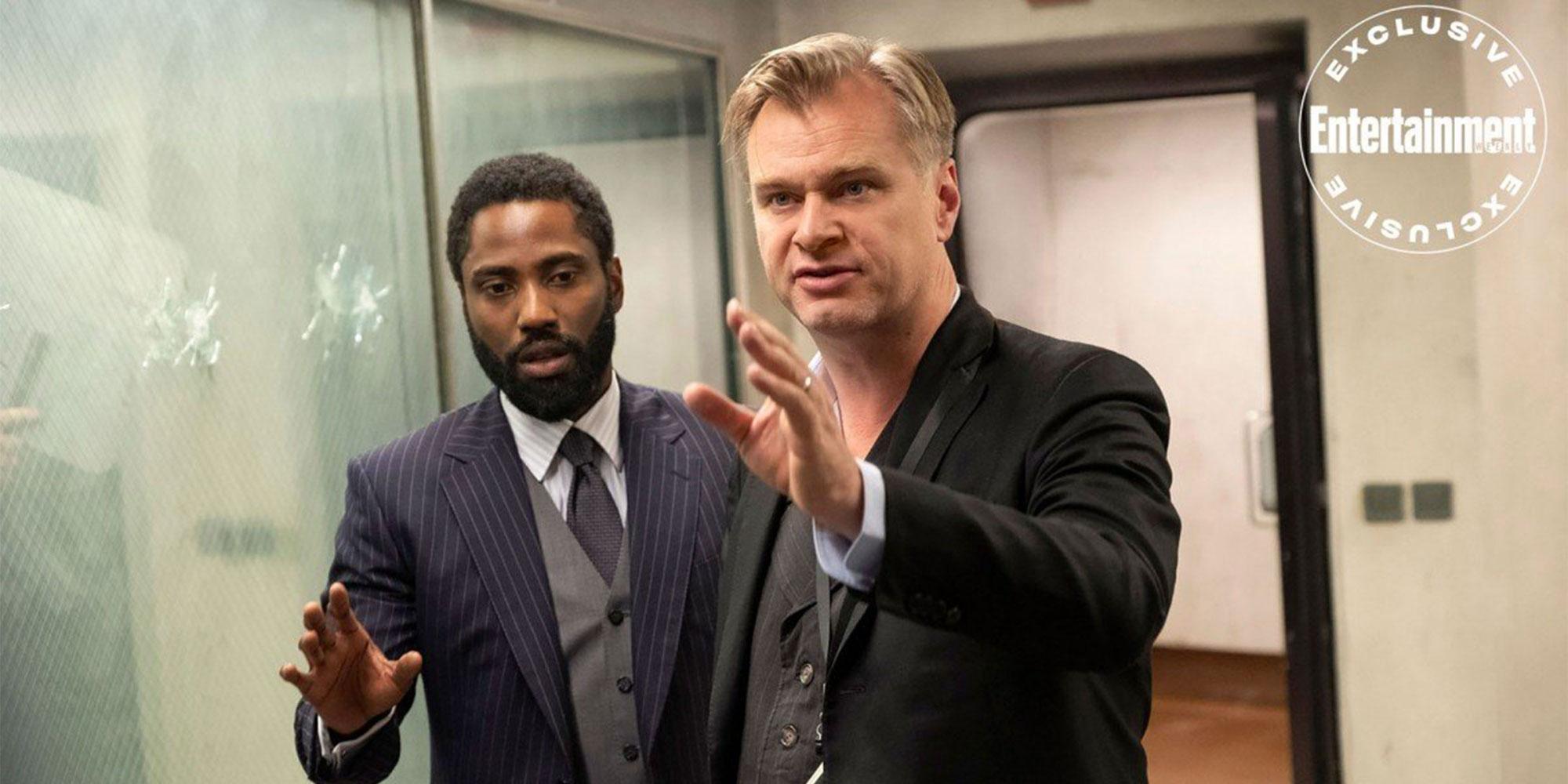 """John David Washington og regissør Christopher Nolan på settet til """"Tenet""""."""